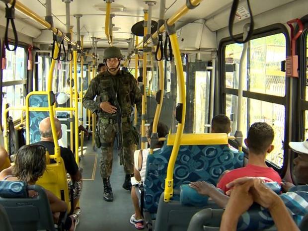 Ônibus voltam a circular na Grande Vitória (Foto: Reprodução/ TV Gazeta)