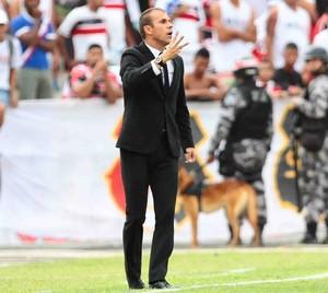 Milton Mendes Santa Cruz x Campinense (Foto: Aldo Carneiro / Pernambuco Press)