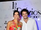 Helena Ranaldi posa para foto com o namorado mais novo em evento