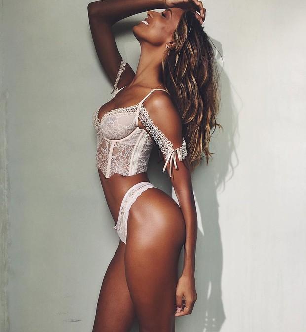 Angel da Victoria's Secret Jasmine Tookes comemora férias no Brasil (Foto: Reprodução do Instagram)