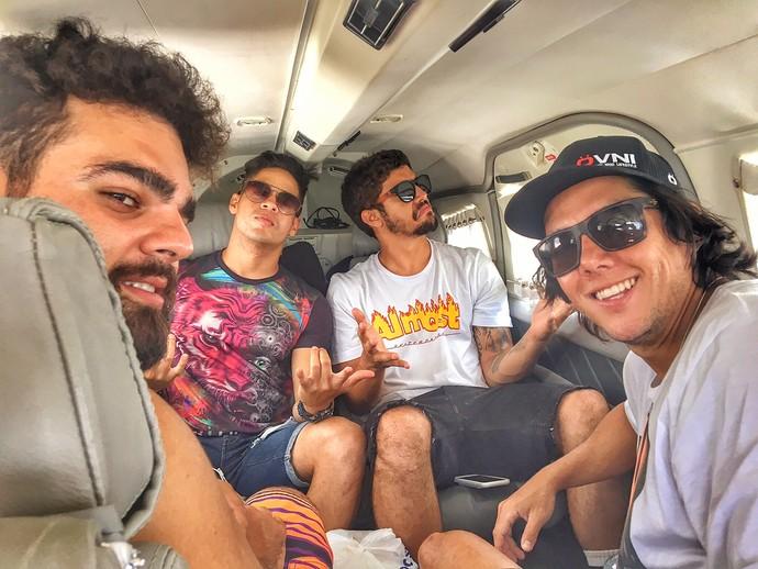 Caio Castro e amigos, viajando pelo Rio Grande do Norte (Foto: Divulgação Rota Inter TV)