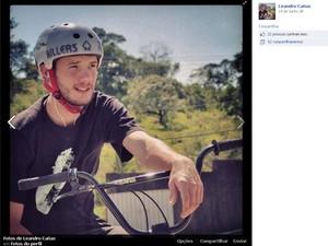 O ciclista Leandro Canãs, irmão da cantora Ana Cañas, que morreu afogado no litoral Norte de São Paulo (Foto: Reprodução / Facebook)