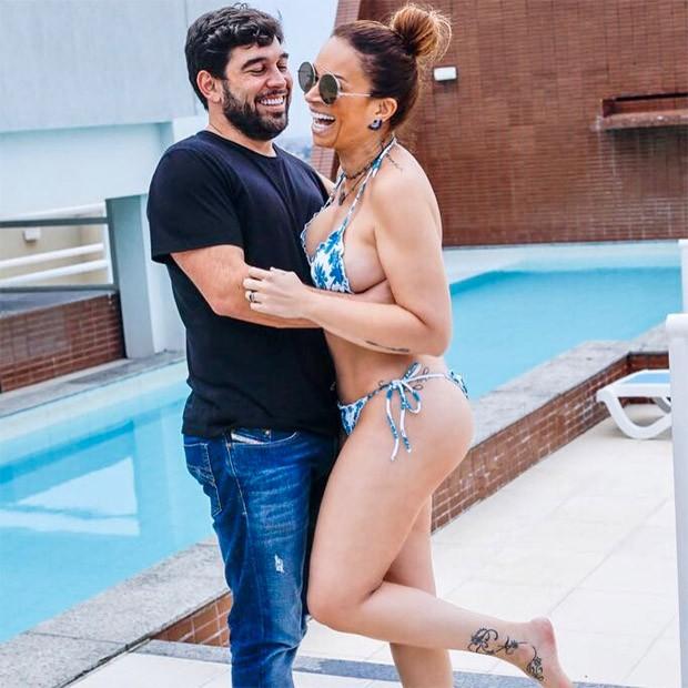 Solange Almeida e o namorado, Leandro Andriani  (Foto: Reprodução/Instagram)