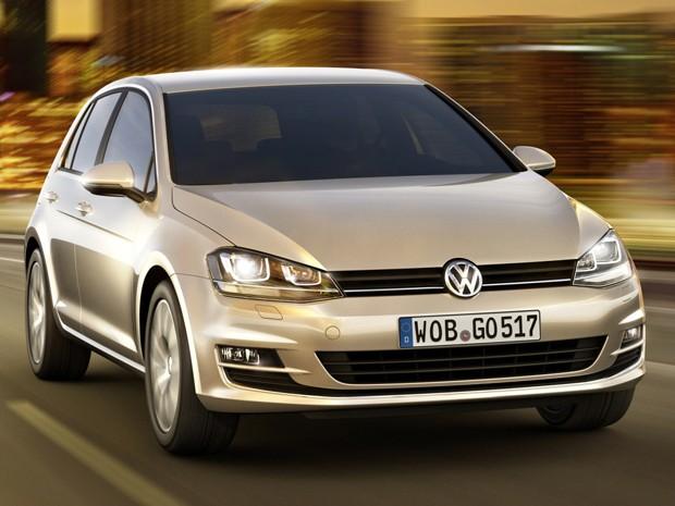 auto esporte volkswagen revela 7 gera o do golf. Black Bedroom Furniture Sets. Home Design Ideas