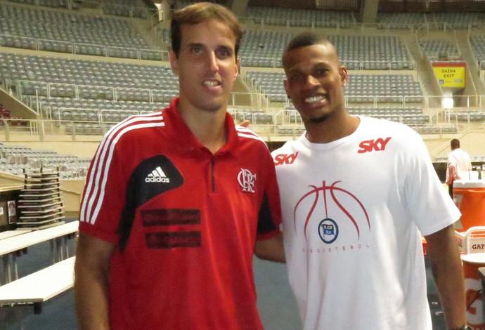 Amigos fora de quadra, Marcelinho e Shamell costumam ser grandes rivais dentro dela (Foto: Fabio Leme)