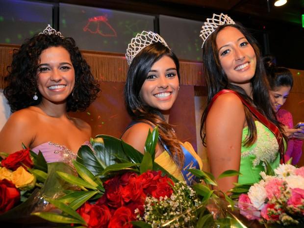 Mariana e as candidatas que ficaram em segundo e terceiro lugar (Foto: Vanessa Caetano Photograpy)