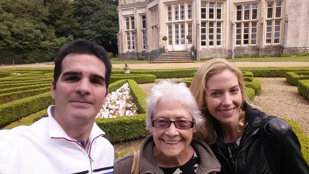 Ralf Krause, a avó da mulher, Margret, e Lauren Claire Hurley (Foto: Arquivo pessoal)