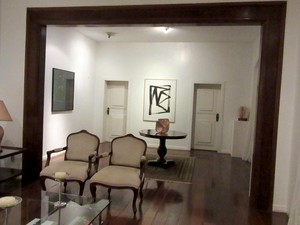 Sala de estar da residência oficial do governador do DF, que pode ser visitado pela população (Foto: Pedro Borges/G1)