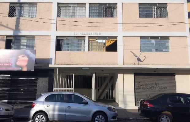 Menina sobrevive a queda do 2ª andar de apartamento em Goiânia, Goiás (Foto: John William/ TV Anhanguera)