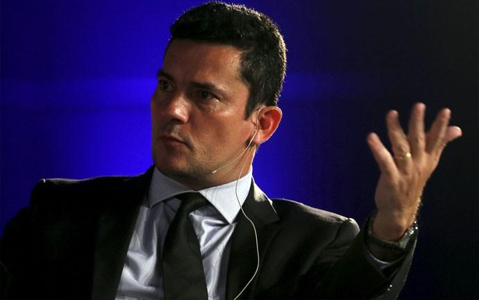 Sérgio Moro durante evento da Economist; juiz diz que fatiamento da Lava Jato não afeta investigações.
