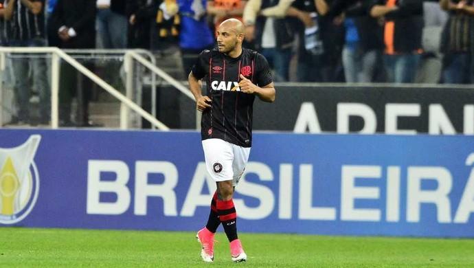 Jonathan Atlético-PR (Foto: Marcos Ribolli)