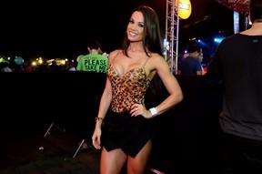 EGO - Fernanda DÁvila posa de lingerie e provoca