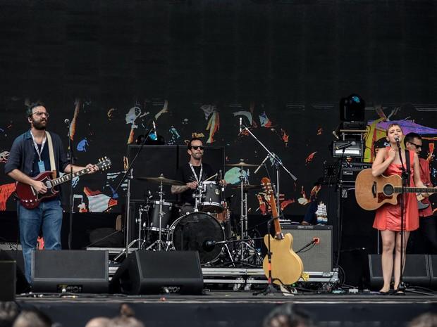 Banda do Mar se apresenta no Palco 1 do Lollapalooza (Foto: Marcelo Brandt/G1)