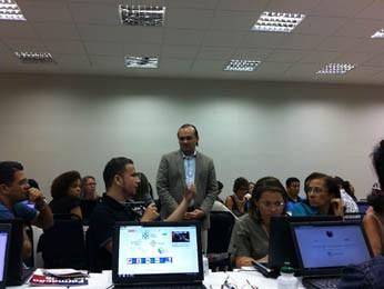 Alex Sandro Gomes desaconselha o uso de redes sociais genéricas na aprendizagem (Foto: Gabriela Belém, G1 PE)