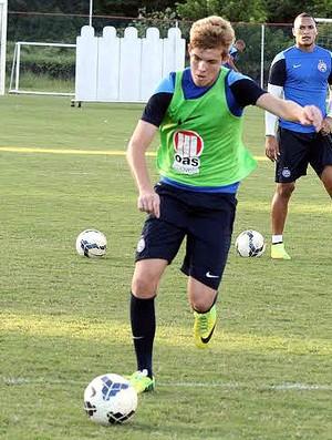 Lateral Bruno Paulista, jogador da base, durante treinamento do Bahia (Foto: Divulgação/E.C. Bahia)