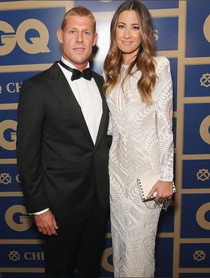 Mick Fanning e a mulher, a modelo Karissa Dalton, vestidos de gala para premiação na Austrália (Foto: Reprodução/Instagram)