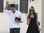 Ex-namorada não sabia que Charlie Sheen era HIV positivo, diz site