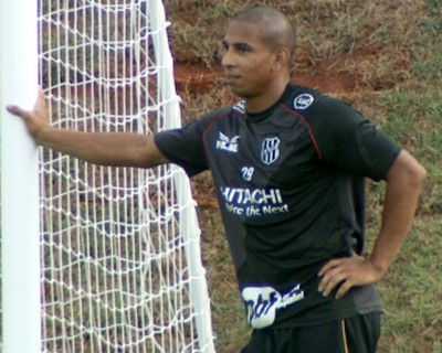 Rafael Costa atacante Ponte Preta (Foto: Carlos Velardi / EPTV)