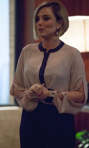 Estela tem o estilo perfeito pra inspirar mulheres cujas profissões exigem um dresscode mais formal como executivas e advogadas  (Foto: Fabiano Battaglin/Gshow)