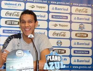 Souza volante Grêmio (Foto: Tomás Hammes / GLOBOESPORTE.COM)