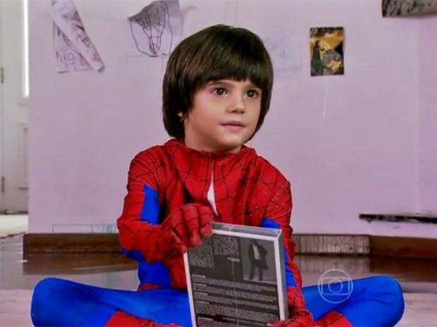 Zaion fala sobre o pai no Arquivo Confidencial (Foto: Domingão do Faustão / TV Globo)
