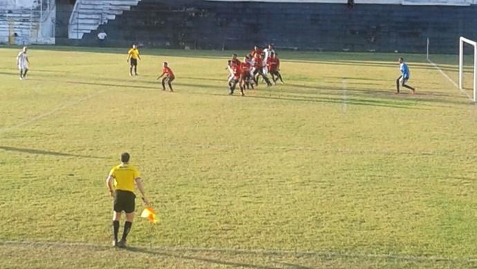 Central e Sport pelas semifinais do Pernambucano sub-20 (Foto: Adrinaldo Barbosa)