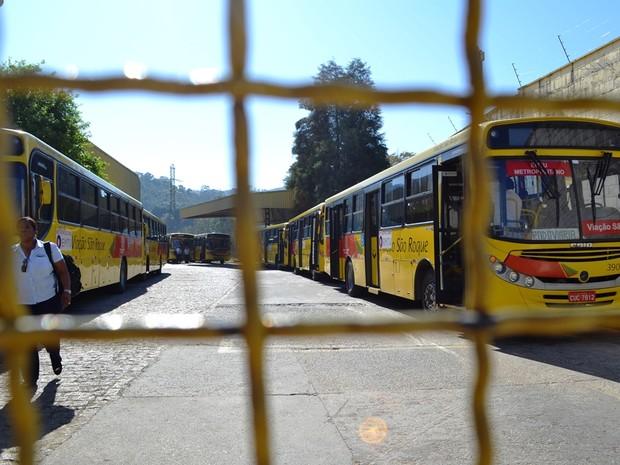 Motoristas de ônibus na região de São Roque fazem paralisação (Foto: São Roque Notícias/Divulgação)