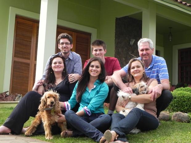 Miss Brasil Gabriela Markus com a família (Foto: Arquivo Pessoal)