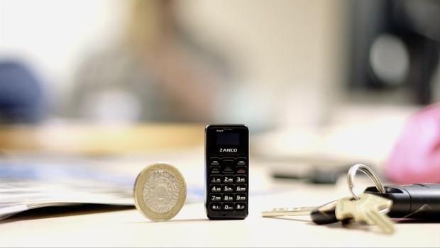 Zanco Tiny T1, o menor celular do mundo, com menos de 5 cm (Foto: Divulgação)