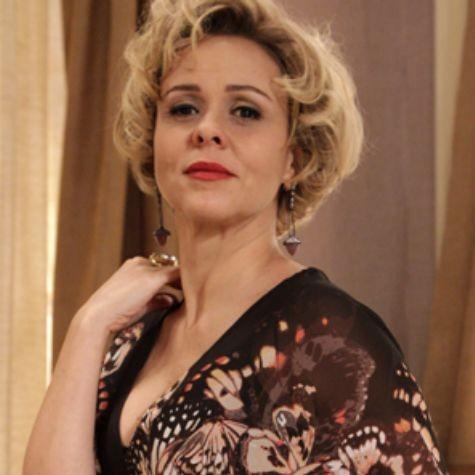 Giulia Gam é Bárbara Ellen em 'Sangue bom' (Foto: Reprodução)