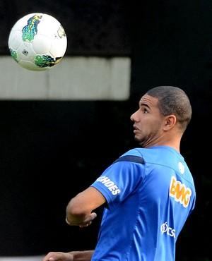 Bruno Peres, ex-Santos, é oferecido para substituir Douglas no São Paulo