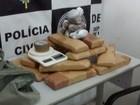 Polícia prende homem com 13 kg de maconha (Denarc/ Divulgação )