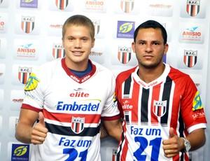 Gustavo Froner e Francisco Alex são apresentados no Botafogo-SP (Foto: Rafael Martinez / Botafogo FC)