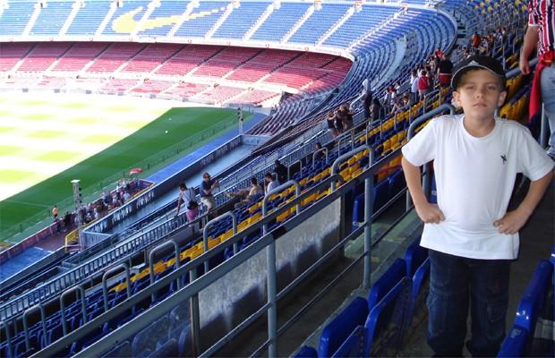 Artur Miani no Camp Nou, em Barcelona (Foto: Arquivo pessoal)