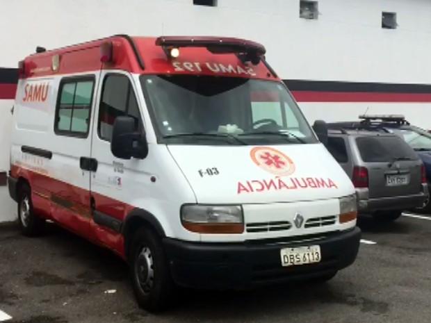 Ambulância furtada por paciente psiquiátrico em Campinas (Foto: Reprodução EPTV)