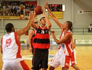 Douglas basquete Flamengo LDB 2013 (Foto: Divulgação)