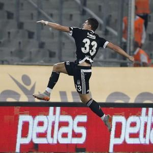 Mario Gomez Besiktas Fenerbahçe (Foto: EFE)