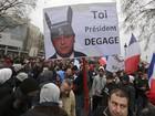 Milhares de pessoas protestam em Paris contra François Hollande