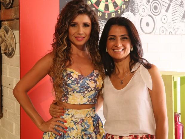 Patrícia França contracena com Paula (Foto: Carol Caminha / TV Globo)