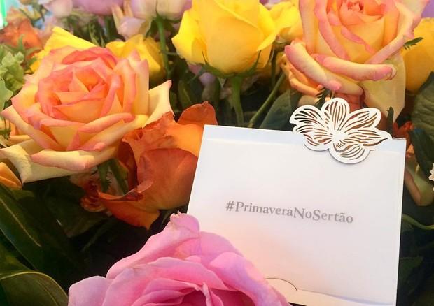 No Instagram, cada clique florido com a hashtag da campanha será transformado em R$ 1 de doação e um buquê de flores para mulheres do sertão nordestino (Foto: Reprodução/Instagram)