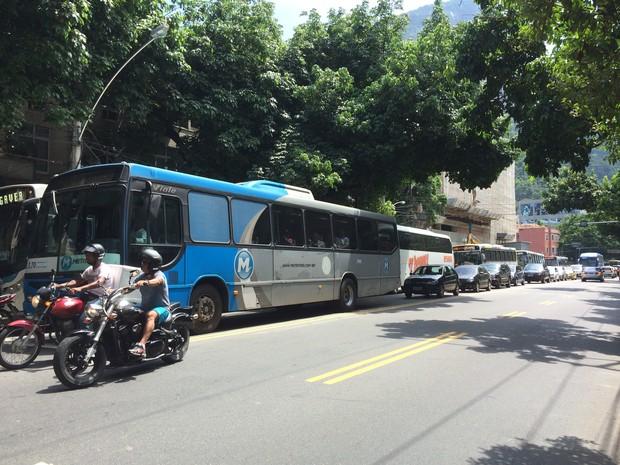 Ônibus param em congestionamento no Rio; secretaria de Transportes diz que tráfego melhorou (Foto: Matheus Rodrigues/ G1)
