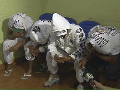 torcedores atlético-mg presos paraguai (Foto: Reprodução/RPCTV)