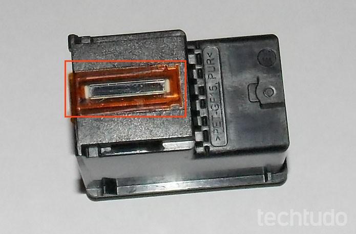 Tiras de cobre devem ficar voltadas para baixo (Foto: Edivaldo Brito/TechTudo)