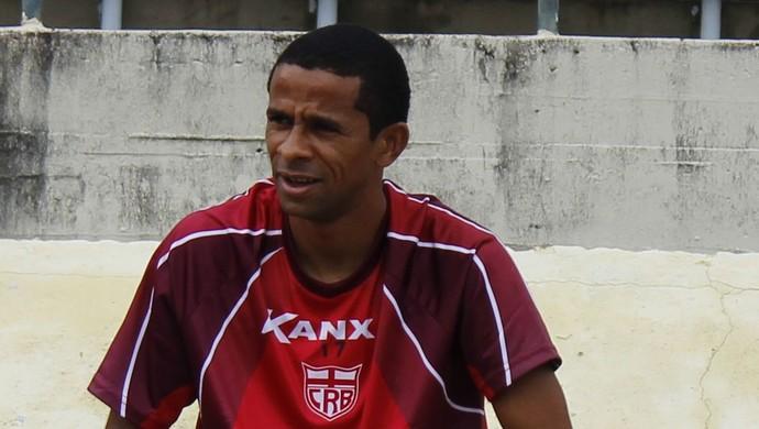 Wellington Saci meia do CRB (Foto: Caio Lorena / GloboEsporte.com)