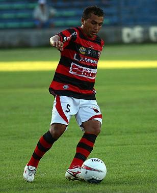 Zuza, volante do Flamengo-PI (Foto: Thiago Amaral)