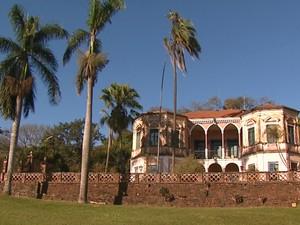 Sobrado da Fazenda Santa Maria foi construído em 1889 em São Carlos (Foto: Marlon Tavoni/EPTV)