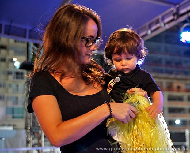 A mamãe coruja também colou no filhinho! (Foto: Domingão do Faustão / TV Globo)