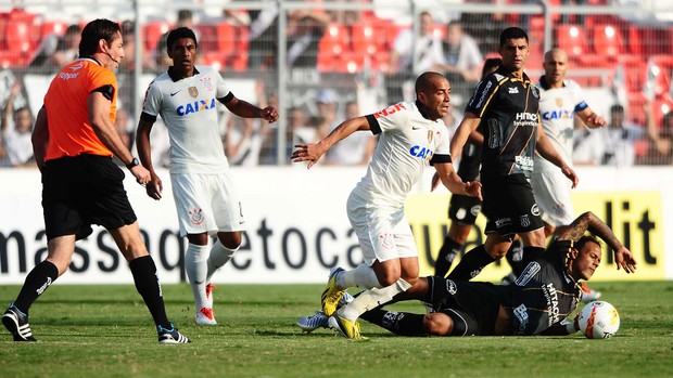 Emerson Corinthians x Ponte Preta (Foto: Marcos Ribolli / Globoesporte.com)