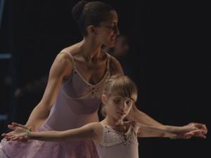 'Looking at the stars' retrata rotina de bailarinas cegas (Foto: Divulgação)