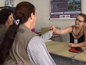 Parceria permite a inspeção de casas vazias em Araraquara (Foto: Reprodução/EPTV)